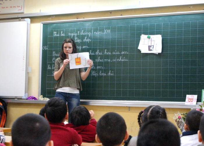 Xác định được cách truyền đạt từ vựng là mấu chốt để giúp học sinh ghi nhớ từ tốt hơn
