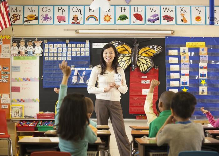 Xây dựng không khí trong lớp học là một trong những bài học hữu ích cho mỗi giáo viên để củng cố tinh thần người học